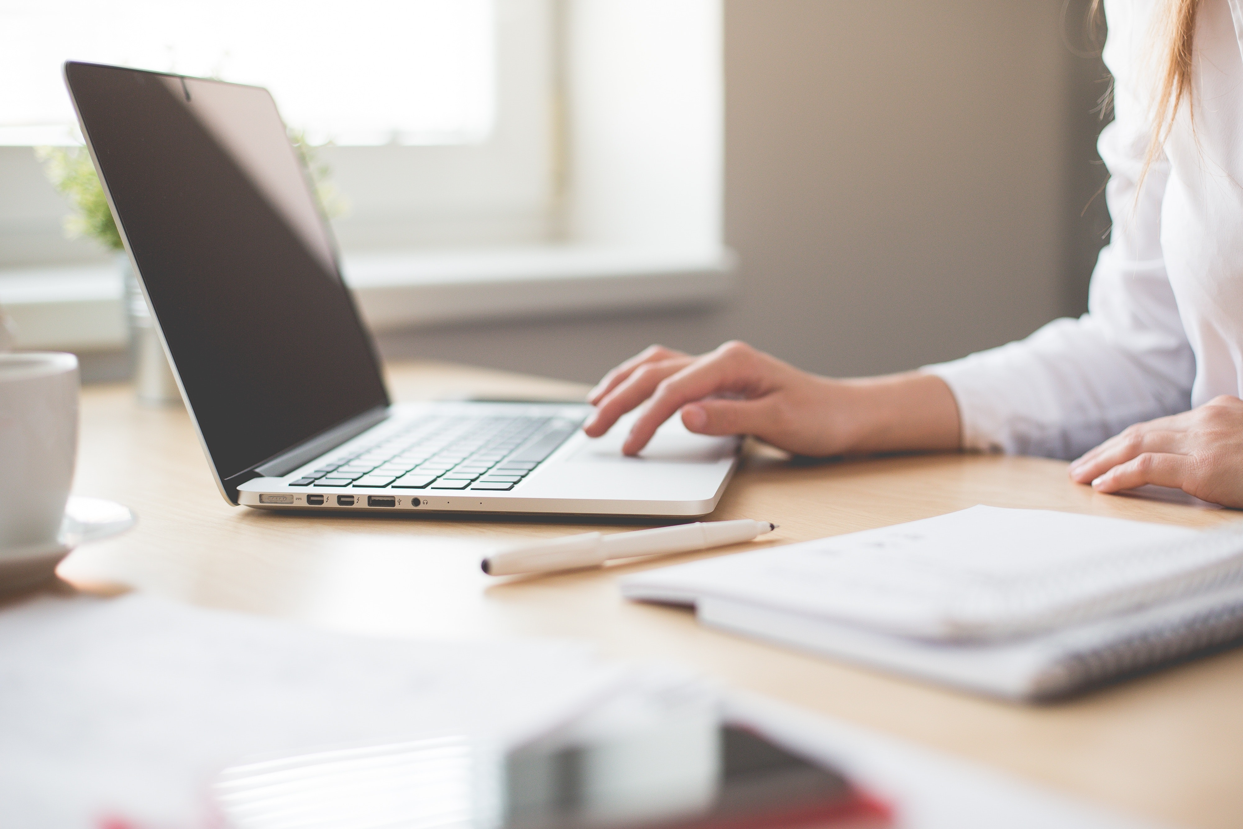 Postura errada no trabalho pode ter impacto enorme na saúde